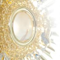 Adoração e Eucaristia